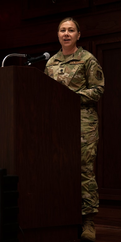 Lt. Col. Mundell delivers remarks following her assumption of command.