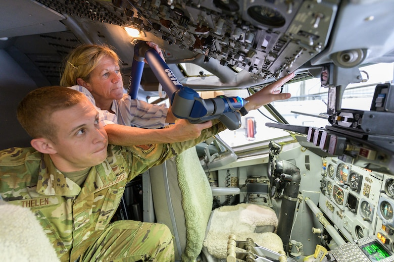 Career Enlisted Aviators participate in anthropometric study