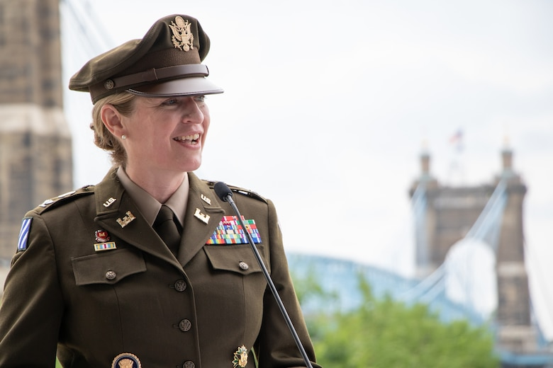 Col. Kim A. Peeples took command of the Great Lakes and Ohio River Division during a ceremony today in Cincinnati.