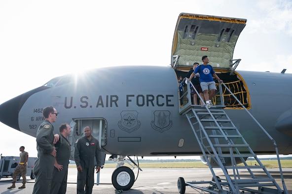 AHFA students fly in KC-135