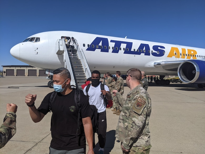 A photo of Airmen returning to Hill Air Force Base.