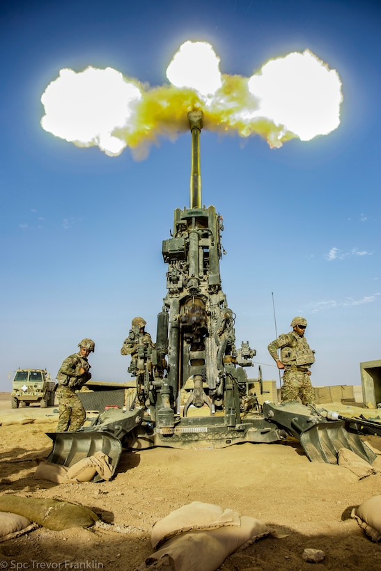 U.S. Army soldiers assigned to the C/2-156th Infantry, 2nd Plt Charlie Battery/ 1-141 FA conduct crew training on a M777 Howitzer at MSS Conoco, Syria., June 14, 2021. The purpose of crew training is to validate the expertise of area security operations. (U.S. Army photo by Spc. Trevor Franklin)