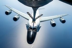 U.S Air Force KC-135R Stratotanker Refuels A U.S. Air Force RC-135 Rivet Joint