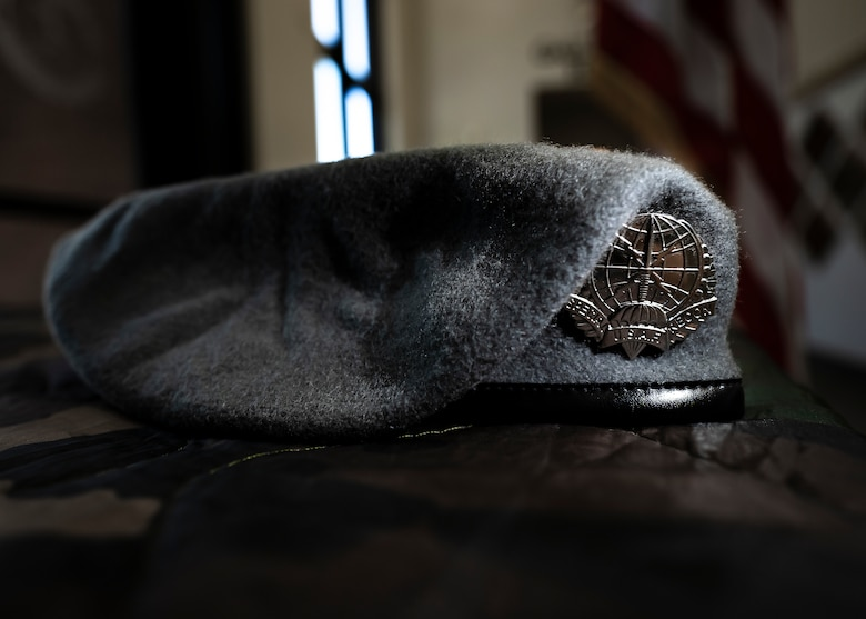 A gray Beret is displayed for the graduates of the first Special Warfare Training Wing, Special Reconnaissance Course at Pope Army Airfield, North Carolina.