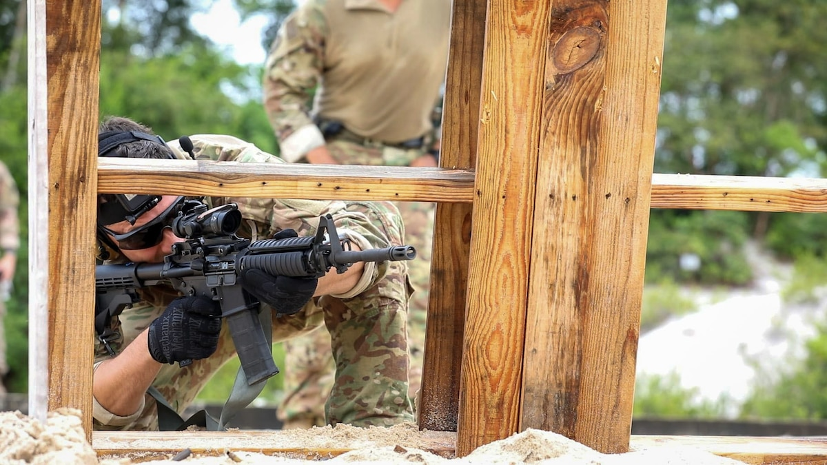 A U.S. Soldier with 2-54th Security Force Assistance Brigade (SFAB) participates in live-fire range during Tradewinds 2021, Camp Stephenson, Guyana, June 17.