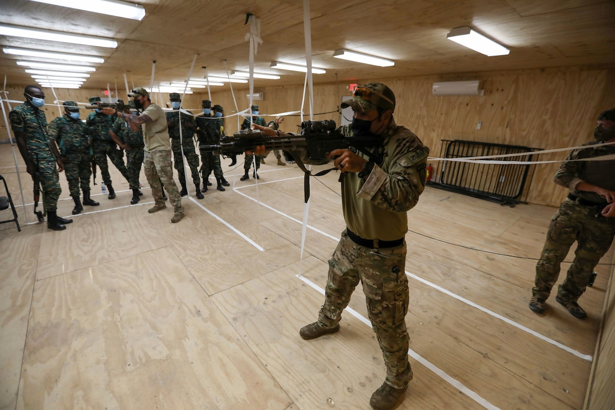 U.S. Soldiers from the Florida Army National Guard's (FLARNG) 2-54 Security Force Assistance Brigade (SFAB) and Drug Enforcement Administration (DEA) agents.