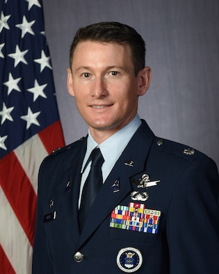 Official Photo of Lieutenant Colonel Jared Speer.