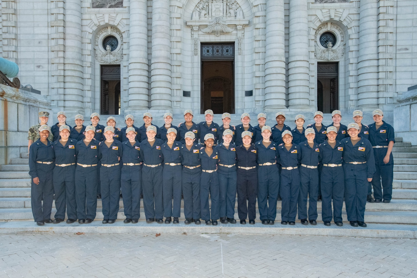 The U.S. Naval Academy Class of 2021 female submarine selectees pose for a photo.