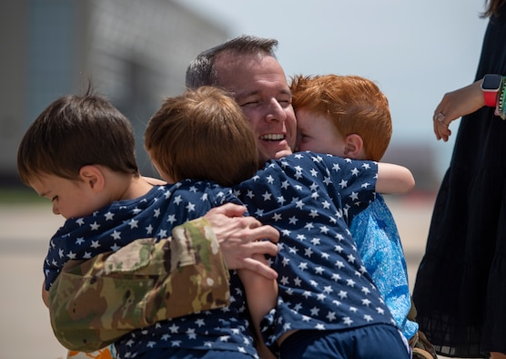76th Air Refueling Squadron homecoming
