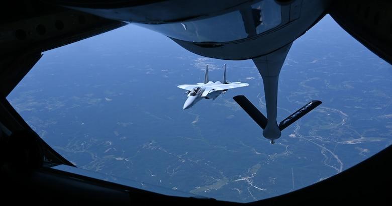 Jet receives fuel