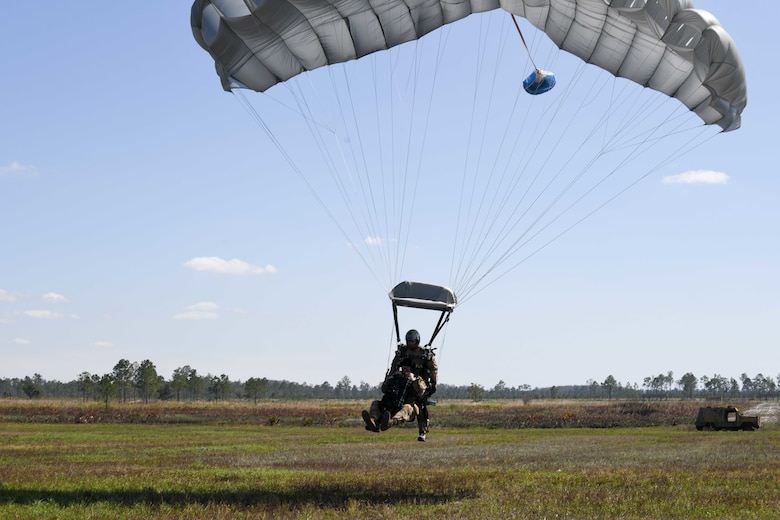 Tandem jump makes wing history