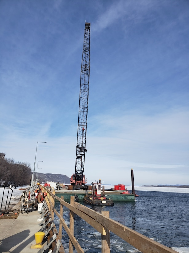 Tow rail repairs ongoing at Lock and Dam