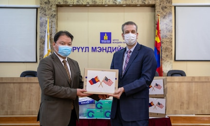 U.S. EmbassyCivil-Military Support ElementDonates PPE for Frontline Workers
