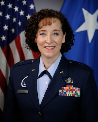 This is the official photo of Brig. Gen. Lisa M. Craig.