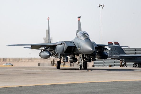 F-15 taxing