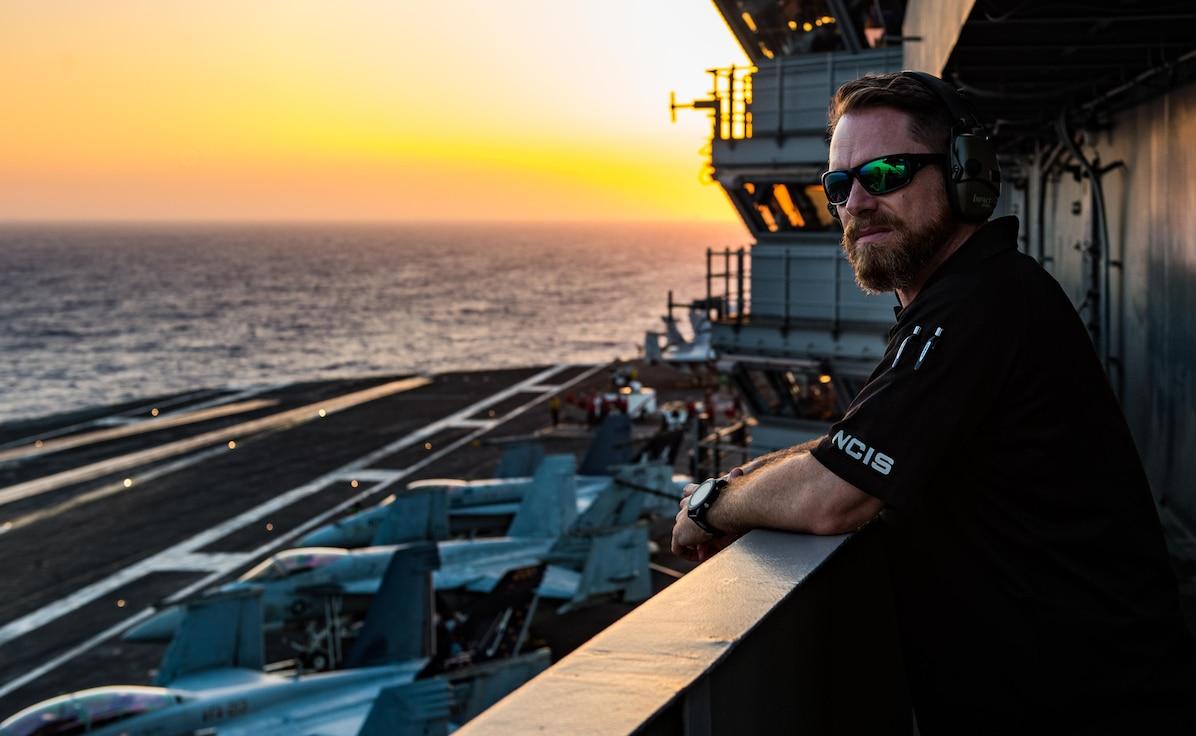 (U.S. Navy photo Released)