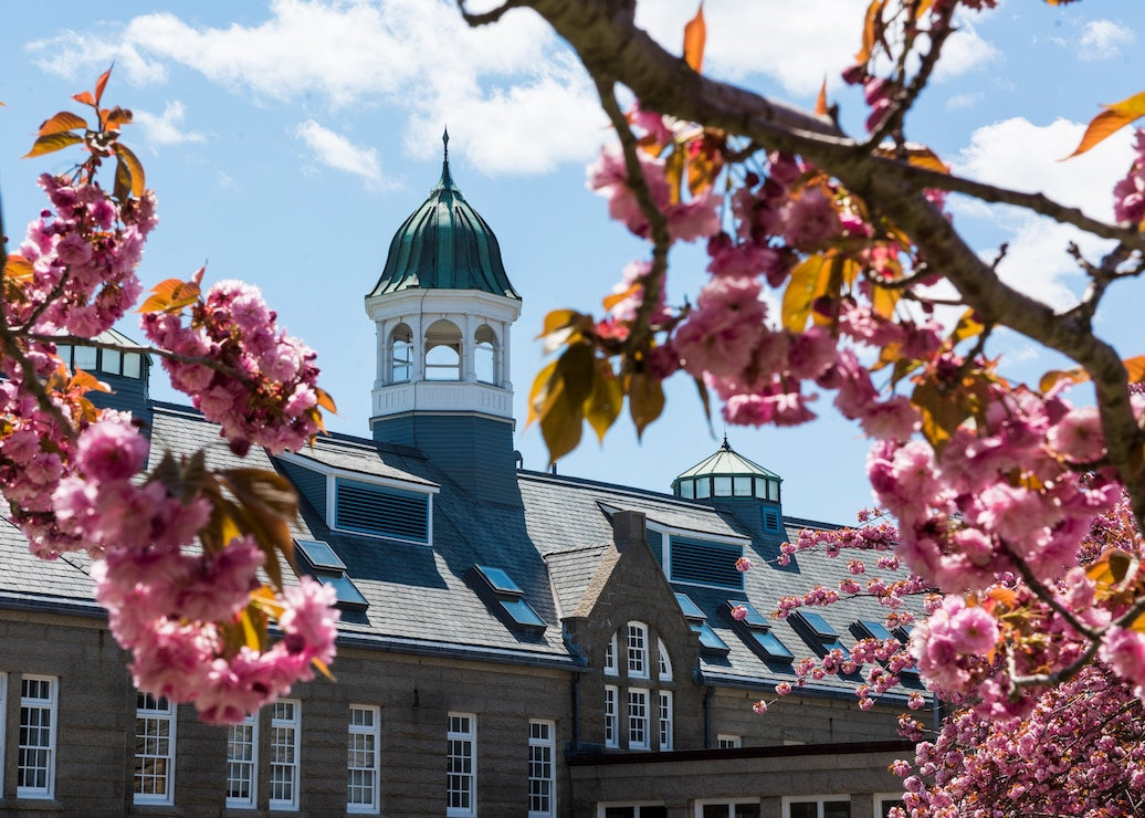 Photo of the U.S. Naval War College Luce Hall on Naval Station Newport, R.I., May 12, 2020.