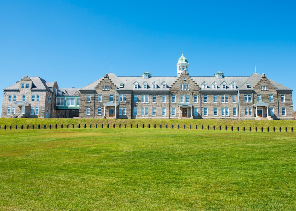 Photo of the U.S. Naval War College Luce Hall on Naval Station Newport, R.I., May 20, 2020.