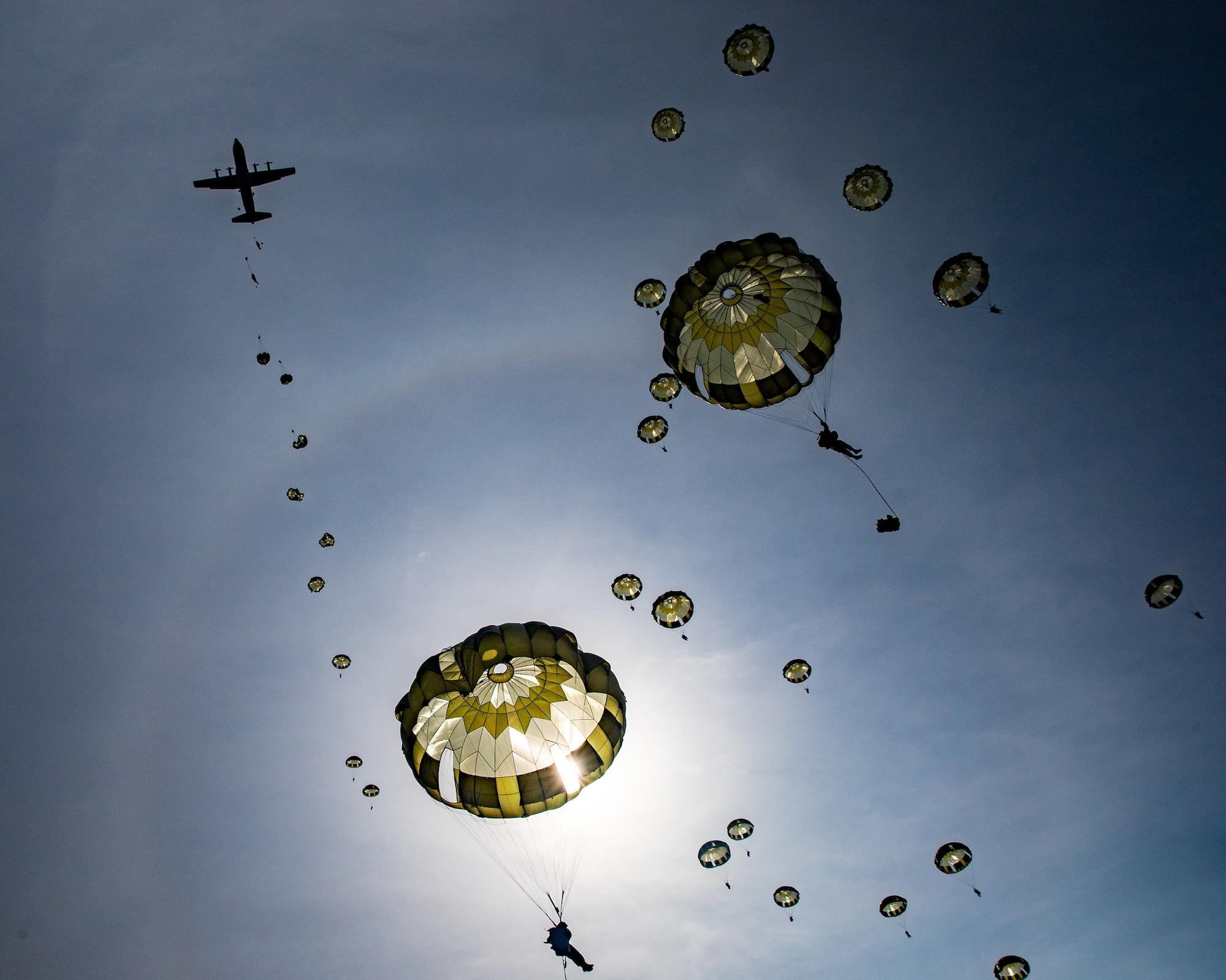 U.S.- Japan conducts historic airborne operation