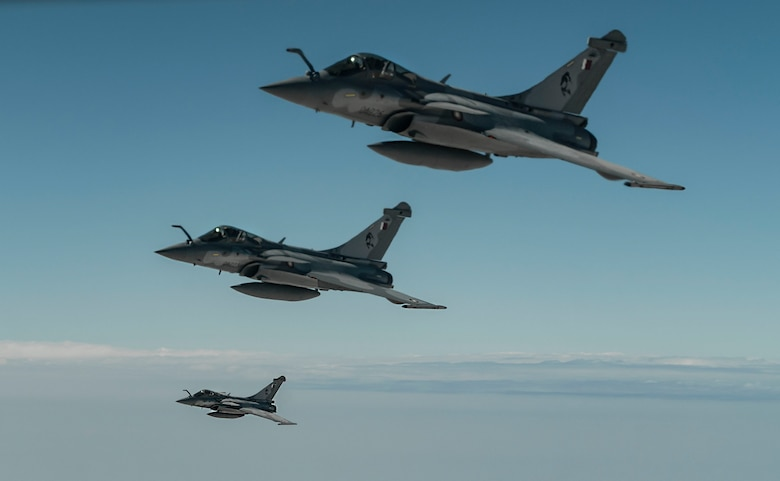 Rafales flying and being refueled