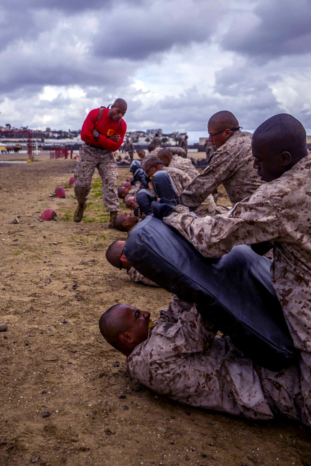 You voted and we listened! Here's this weeks top shot winner!  Recruits with Bravo Company, 1st Recruit Training Battalion, participate in the Combat Conditioning Course at Marine Corps Recruit Depot San Diego, March 10, 2021. The course exposed recruits to the physical demands they could be faced with during a combat situation. (U.S. Marine Corps photo by Lance Cpl. Grace J. Kindred)