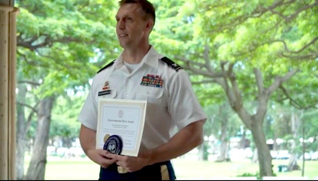 9th MSC receives Good Neighbor Environmental Hero Award - Soldiers serve the community