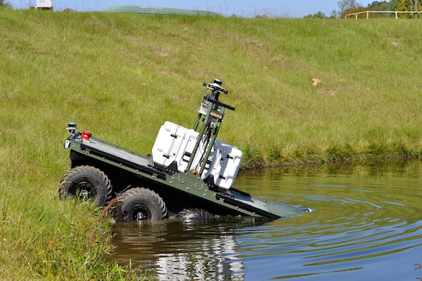 A U.S. Army Engineer Research and Development Center (ERDC) prototype site characterization vehicle demonstrates its amphibious capabilities during testing at the ERDC Levee Breach Model in Vicksburg, Mississippi, Oct. 7, 2020. (U.S. Army Corps of Engineers photo)