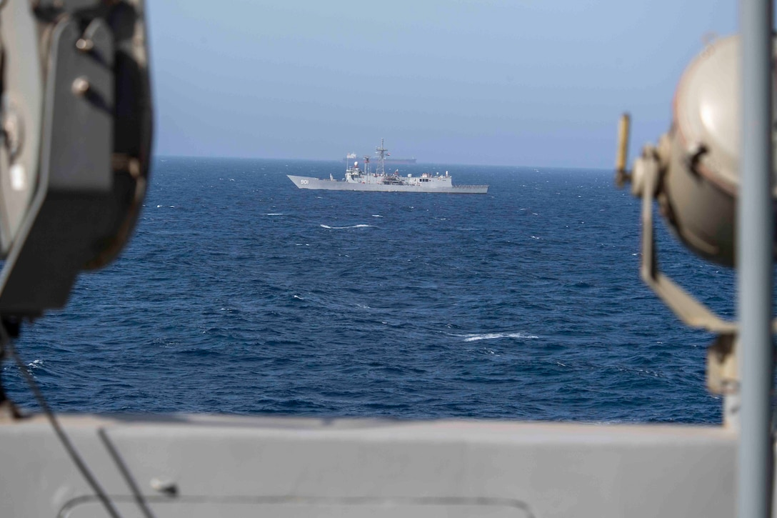 210314-N-JC800-1029 RED SEA (March 14, 2021) - Egyptian guided-missile frigate ENS Sharm El Sheikh (FFG 901) maneuvers alongside amphibious transport dock ship USS Somerset (LPD 25) during a passing exercise in the Red Sea, March 14. Somerset, part of the Makin island Amphibious Ready Group, and the 15th Marine Expeditionary Unit are deployed to the U.S. 5th Fleet area of operations in support of naval operations to ensure maritime stability and security in the Central Region, connecting the Mediterranean and Pacific through the western Indian Ocean and three strategic choke points. (U.S. Navy photo by Mass Communication Specialist 2nd Class Heath Zeigler)