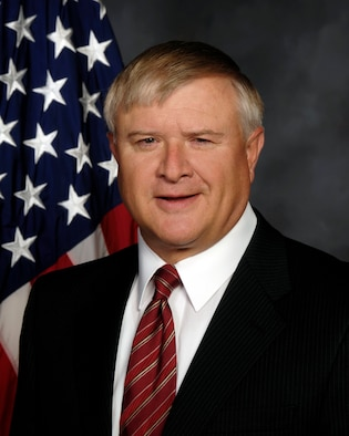 Jack Blackhurst, executive director of the Air Force Research Laboratory, will retire from federal service March 31 culminating a career of a combined 46 years of military and civilian federal service. (U.S. Air Force photo)