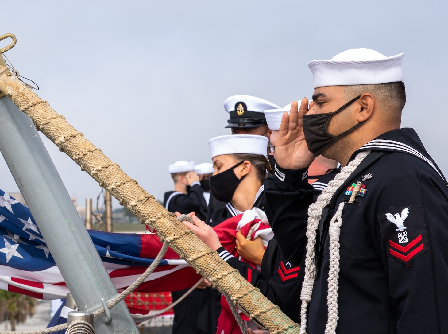 USS Fort McHenry (LSD 43) decommissions at Naval Station Mayport, Fla.