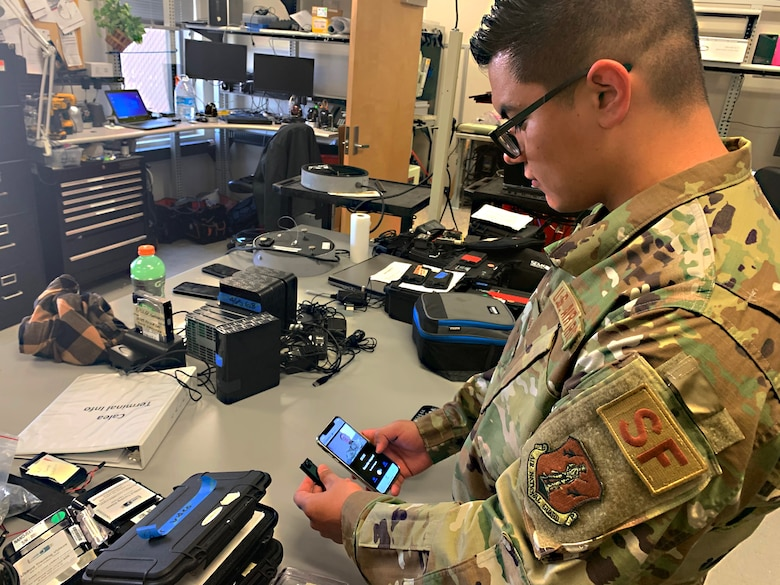 Staff Sgt. Daniel Pando,Texas National Guard Joint Counterdrug Task Force communications support member, works on cutting-edge electronic equipment to help the Homeland Security Investigations Technical Operations Unit catch drug trafficking organizations in El Paso, Texas. Texas Counterdrug has supported federal, state and local law enforcement throughout the state for more than 30 years.
