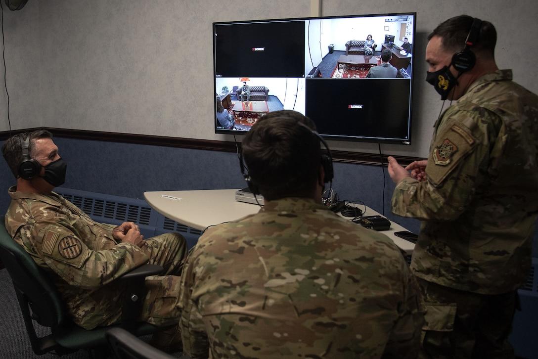 Photo of Airmen observing Air Advisor training