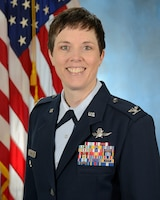 Official photo of Colonel Brenda Oppel
