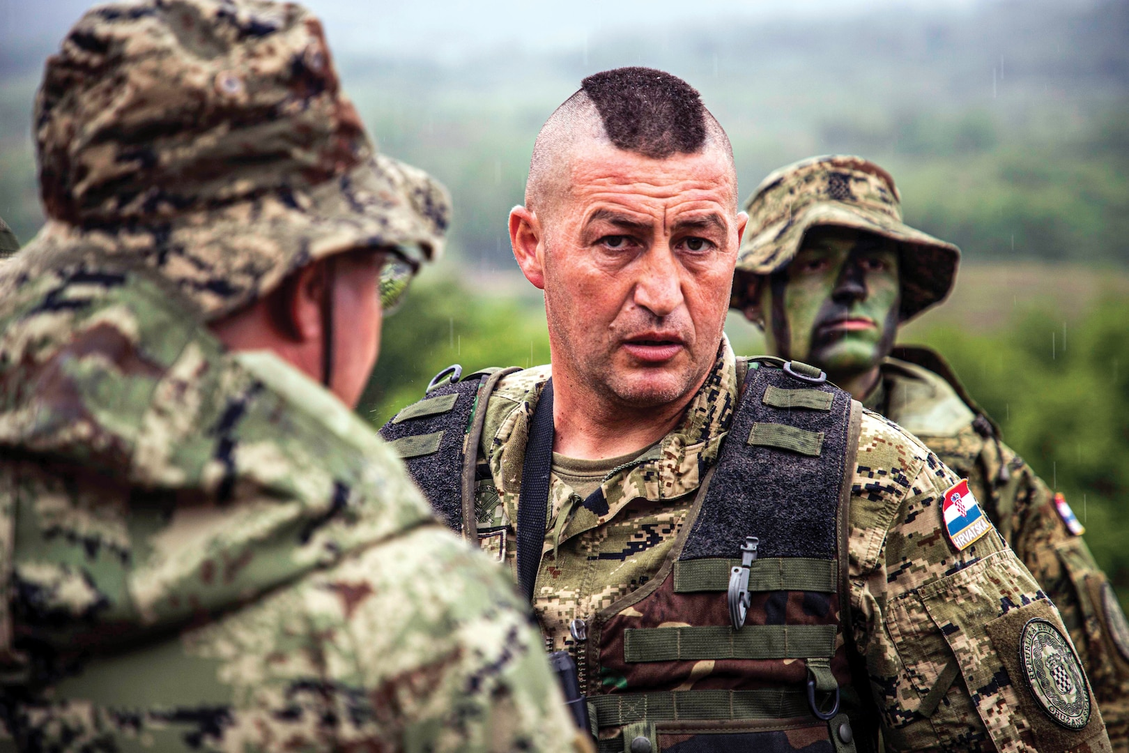 Croatian soldiers discuss logistics during Immediate Response 19, co-led by Croatian armed forces, Slovenian armed forces, and U.S. Army Europe, in Croatia, May 27, 2019 (Courtesy NATO)
