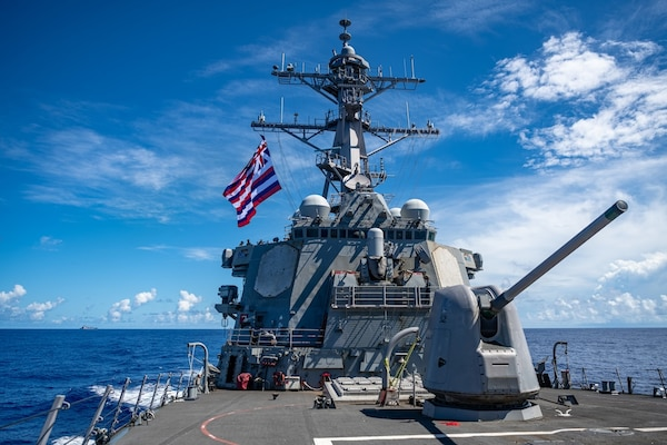 """2020 Battle 'E' awarded to Barry – """"The Finest Forward Deployed Destroyer"""""""