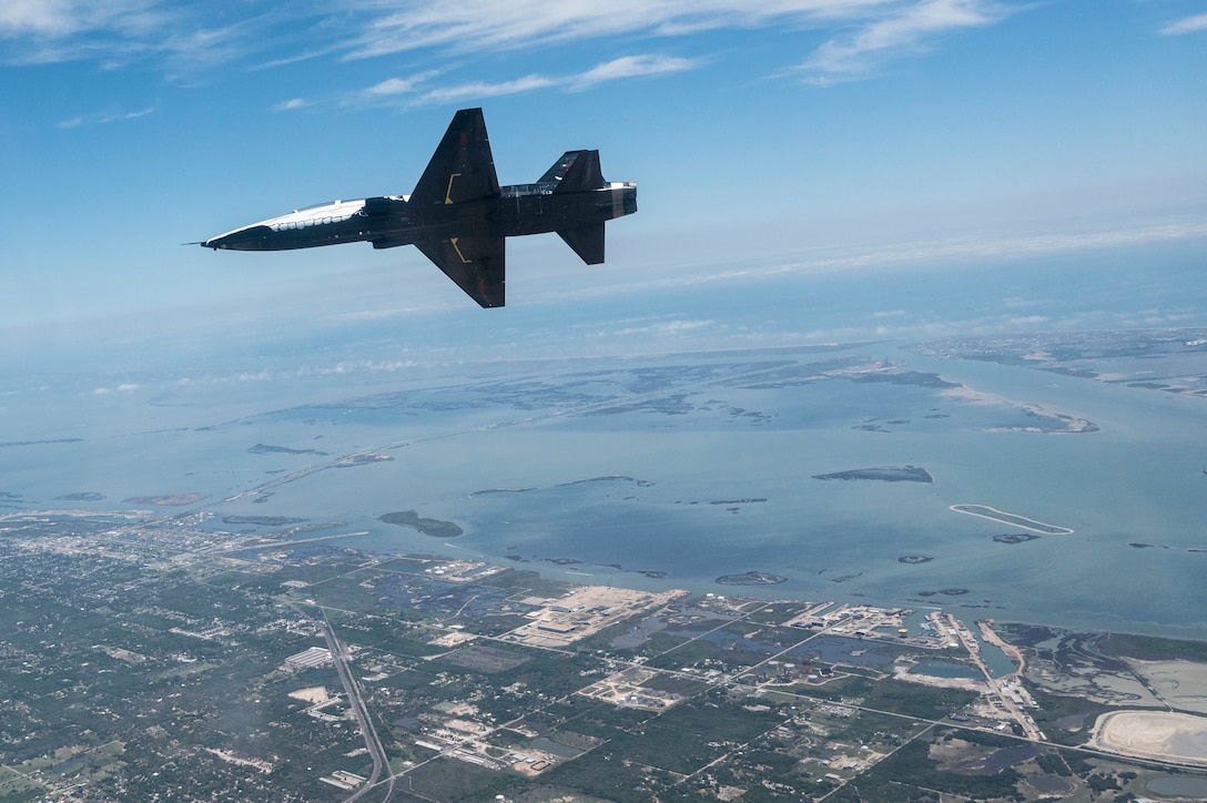 A T-38 Talon performs in the Wings Over South Texas air show on May 2. 2021, in Corpus Christi Texas. This is the heritage tail of the 87th Flying Training Wing and it is the heart of the T-38 fleet at Laughlin. (u.s. Air Force photo by Airman 1st Class David Phaff)