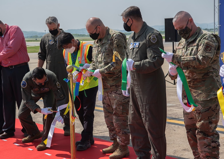 Replace Main Runway Ribbon Cutting Ceremony