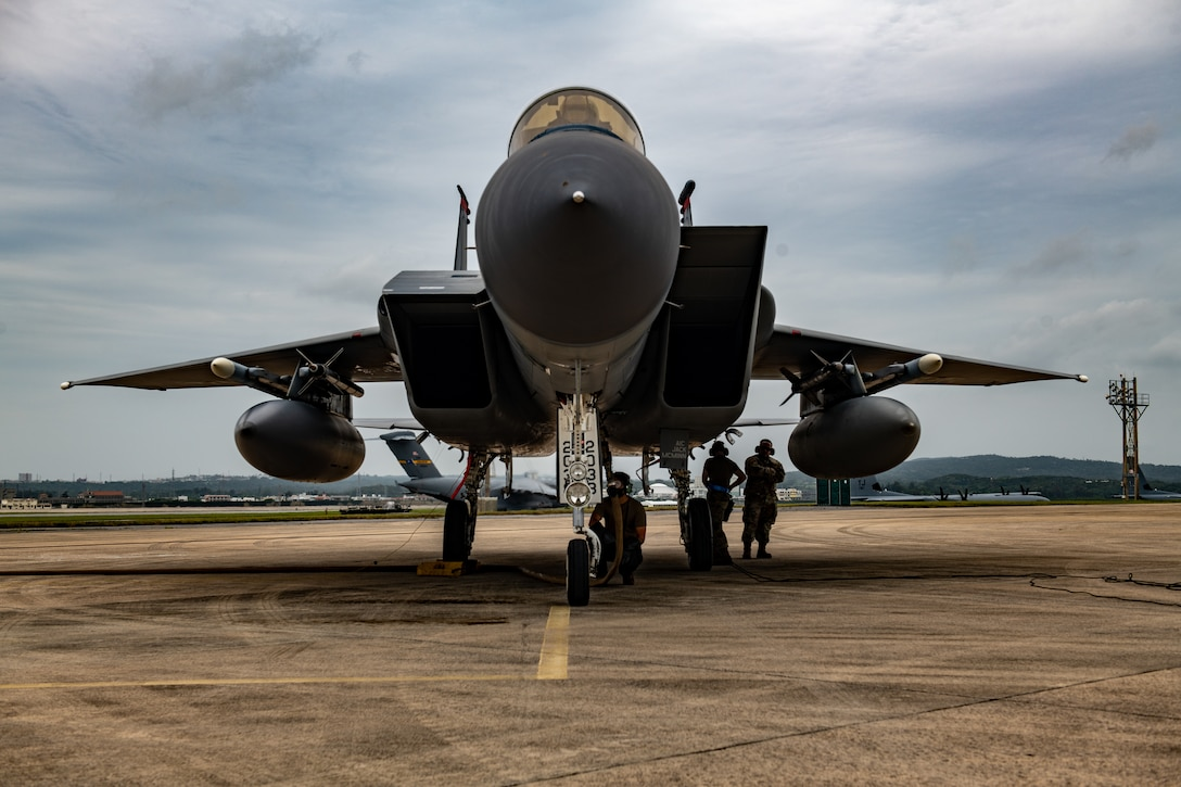 ACE - A Light, Lean and Fast Air Force
