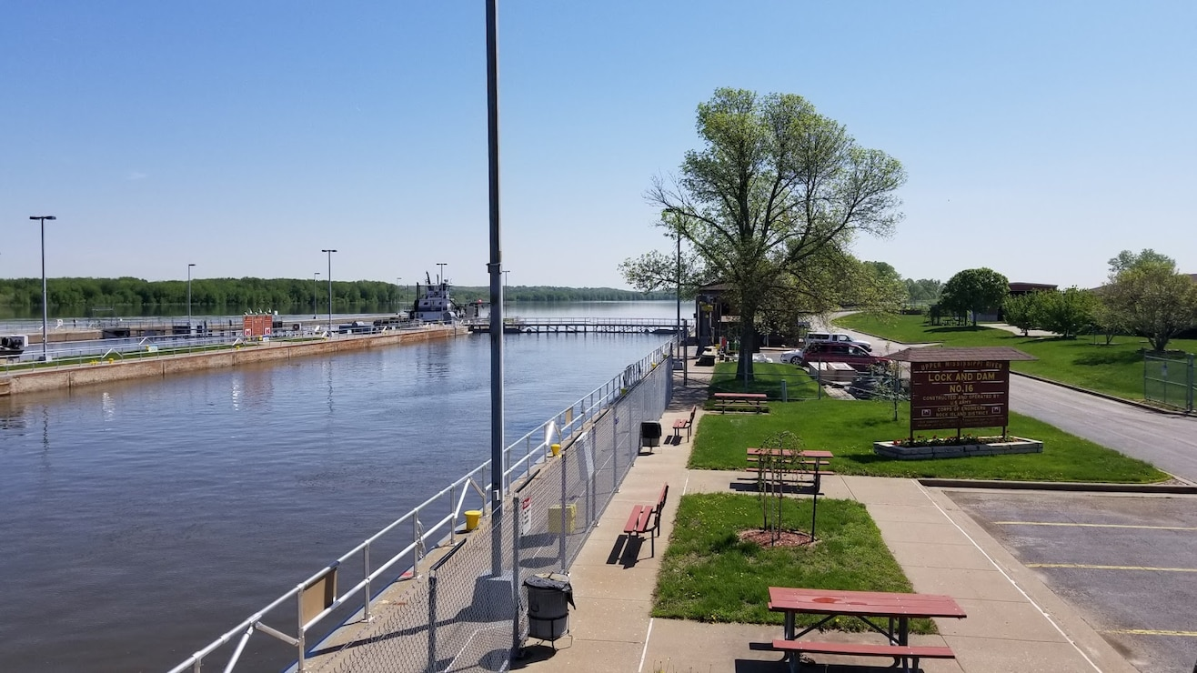 Lock and Dam 16