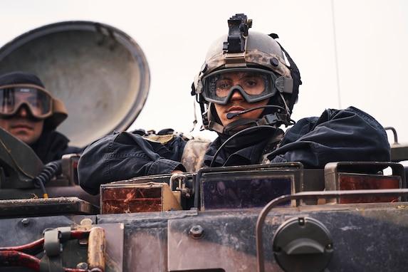 OPFOR takes fighting position during Dragoon Ready 21