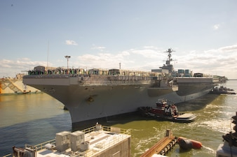 USS John C. Stennis (CVN 74) arrives in Newport News Shipbuilding (NNS) for refueling and complex overhaul.