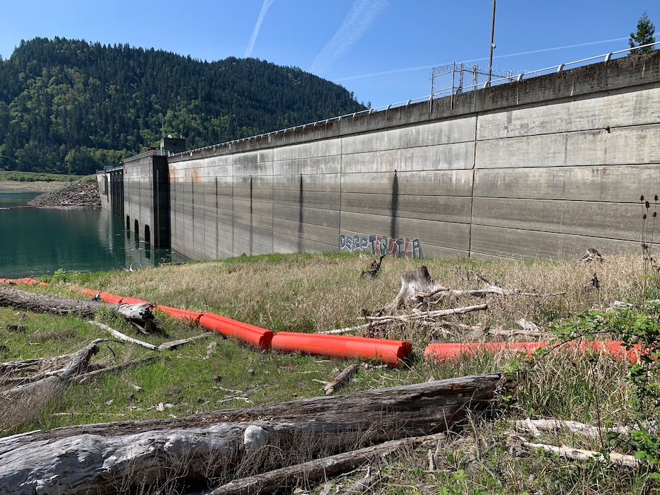 As warm, dry weather continues, the U.S. Army Corps of Engineers, Portland District is seeing a worsening water year as it strives to refill 13 Willamette Valley reservoirs for the upcoming recreation season.