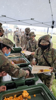 Army Reserve Soldiers of Pacific Signal-Cyber Team conduct headquarter's first field culinary operations