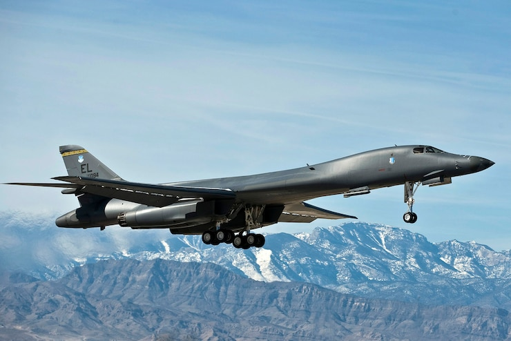 Airframe: The B-1B Lancer