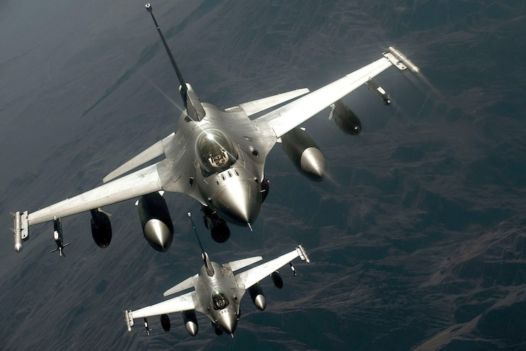 Airframe: The F-16 Fighting Falcon