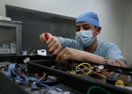 Biomedical equipment technician supports deployed medics in Honduras
