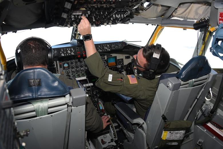 KC-135 aircrew