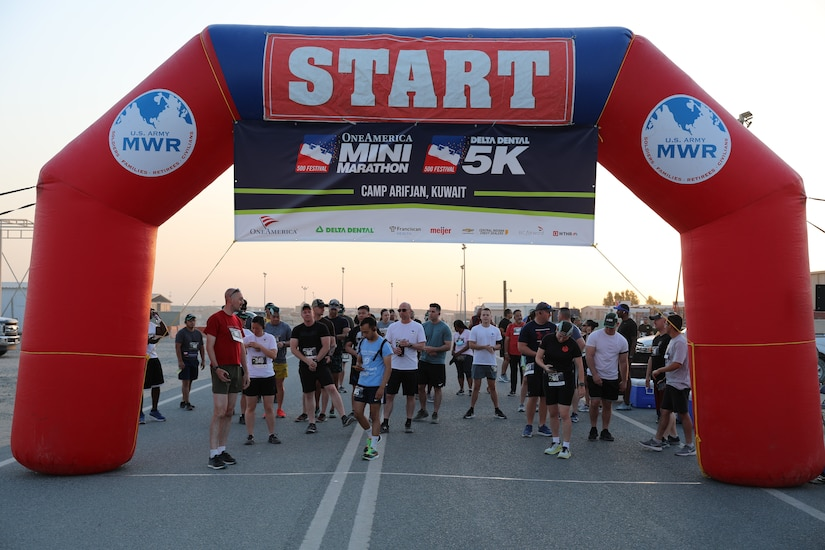 'Brickyard' Soldiers host 400 Indy Mini runners at Camp Arifjan