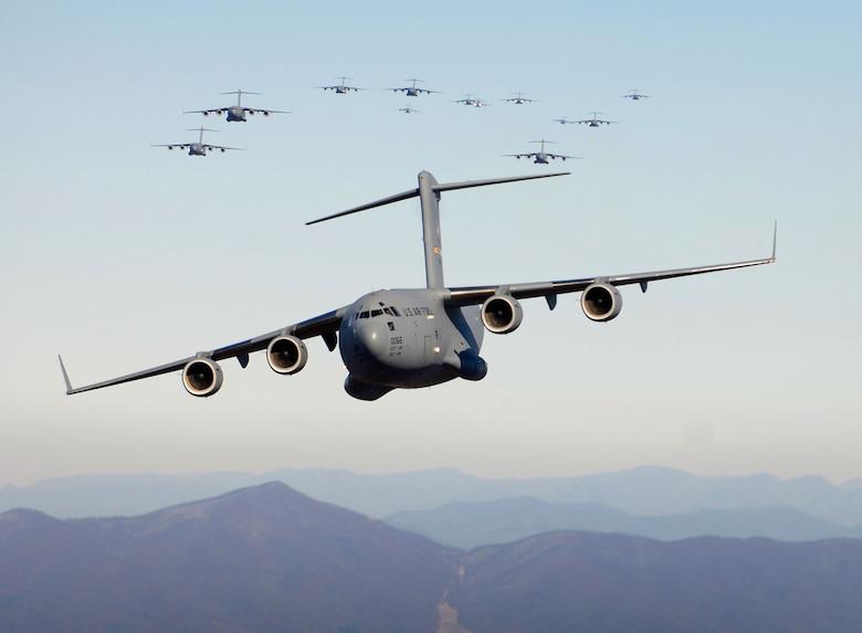 C-17 Globemaster III  (U.S. Air Force photo/Staff Sgt. Jacob N. Bailey)