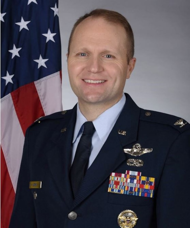 Vice Commander, 375th Air Mobility Wing, Scott AFB, Illinois